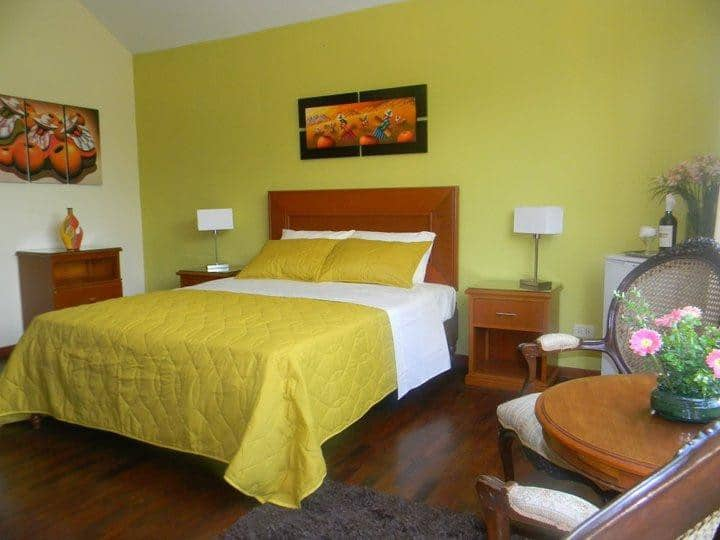 Habitación matrimonial con desayuno  en Miraflores