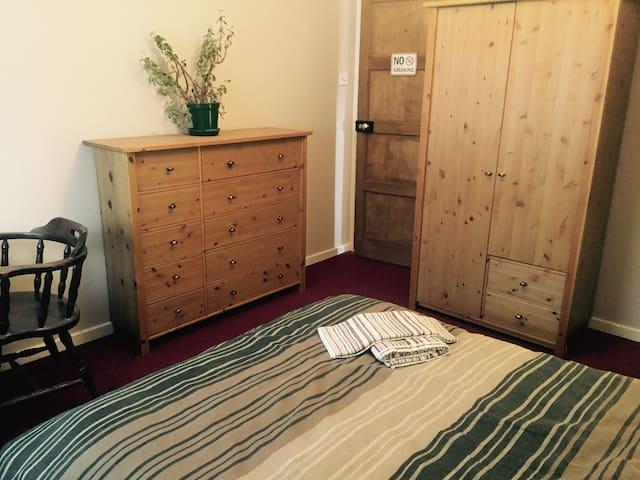 JLL room 1 - Duxford