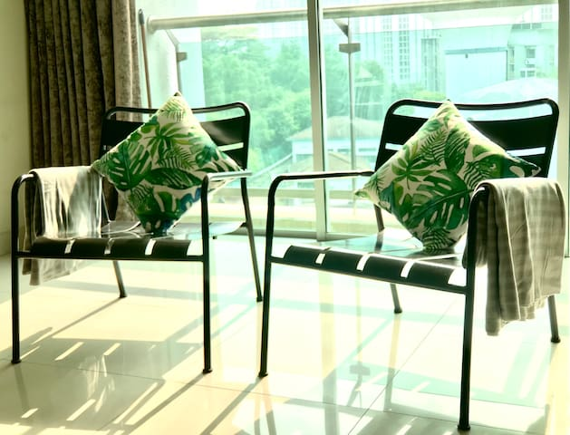 Spacious 2BR Apartment @ Publika (w/ FREE Parking)