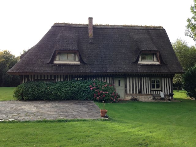 "Charming ""chaumière"" at the heart of Normandy - Le Bois-Hellain - Casa"
