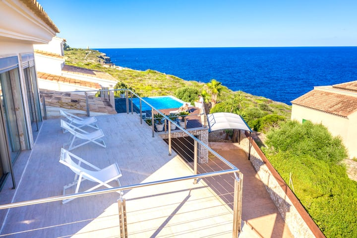 VISTAMAR 1-with sea view,pool,jacuzzi.