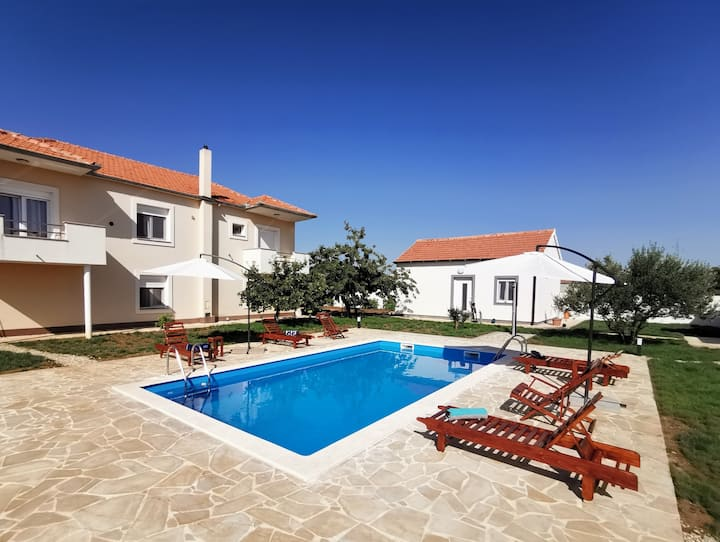 "Modern Apartment ""Amelie"" - with pool, near Zadar"
