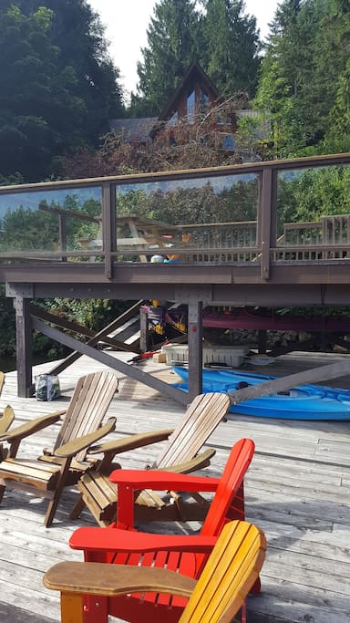 Upper deck on the dock is great for a barbeque right on the water and jumping in to the lake from a height for fun