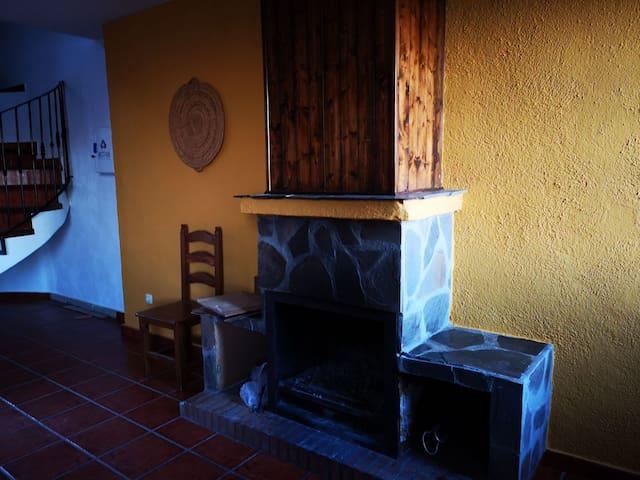 El Rincon de yegen:  3 bedrooms, terrace, chimney