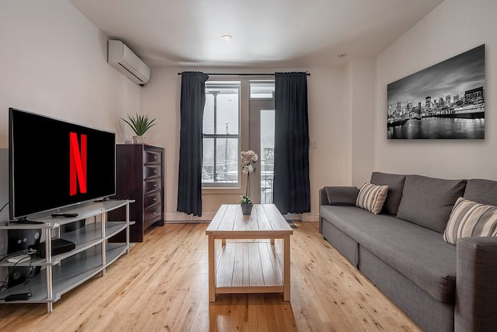 The BEST Apartment in the ♥ of Plateau Mont-Royal