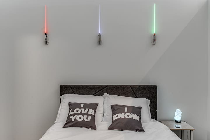✨Luxury Star Wars Themed Airbnb✨