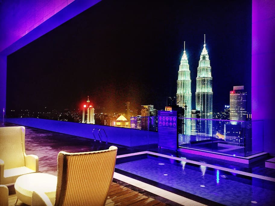 Experience this view while chilling at at the skydeck