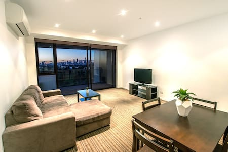 Huge, Modern, Awesome Location, Incredible Views! - Saint Kilda