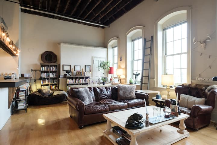 Vintage Industrial Loft off Broadway with Views