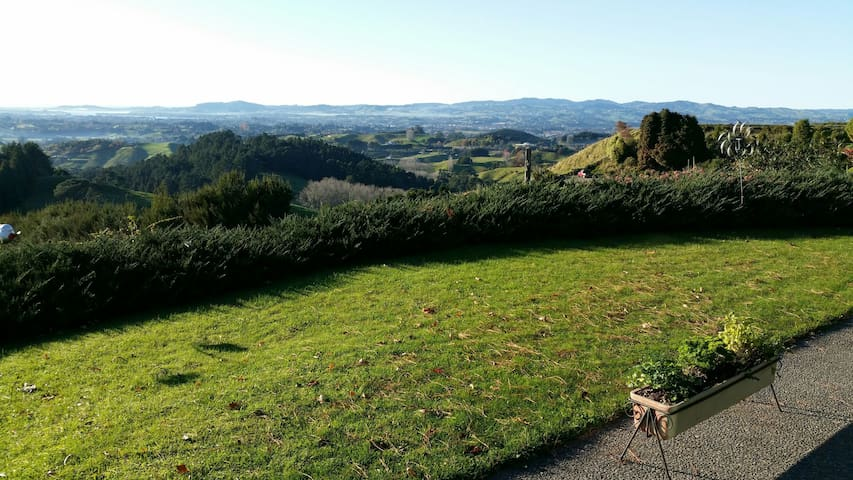 Country Living - City Views - Te Puna,Tauranga - Bed & Breakfast