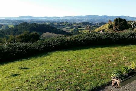 Country Living - City Views - Te Puna,Tauranga