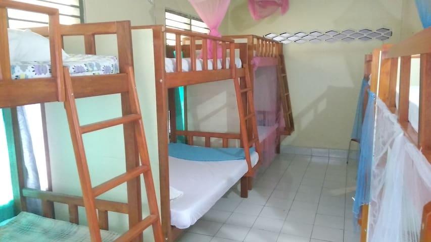 Share Room 2