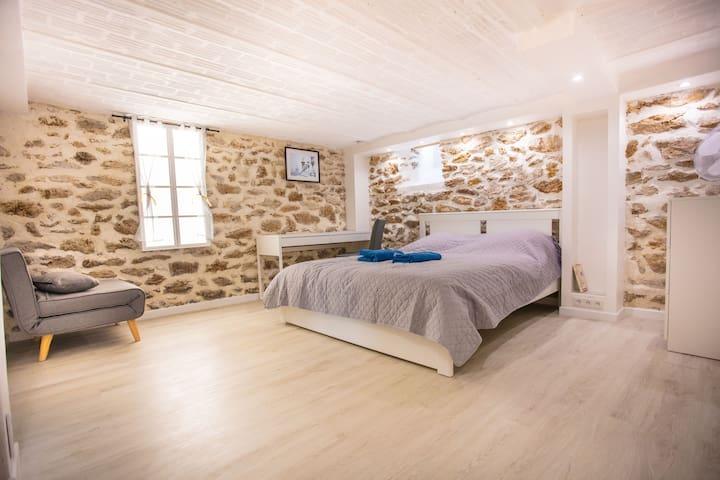 Bellevue Suite (20 min to Paris)