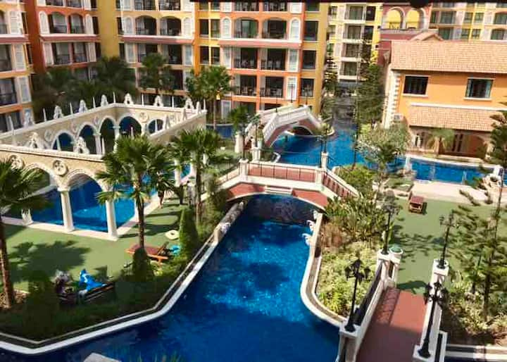 Venetian Pattaya,Poolview 5Guest,2B2R Wifi 中文語OK!