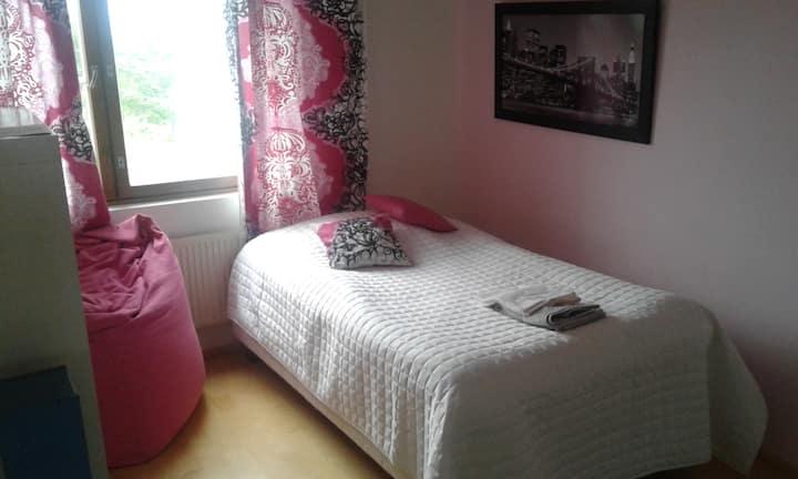 2 bedrooms, sauna & balcony near Iso Omena Mall