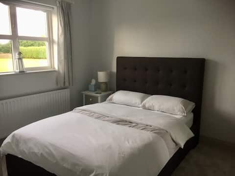 Abbeyleix double room in beautiful family home