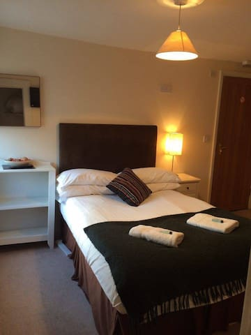 Double Room - Royston - Bed & Breakfast
