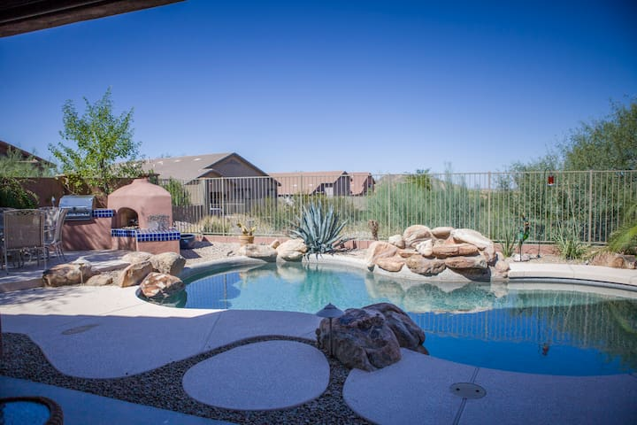 KABINO: New Rental near Superstition Mtns! Gorgeous Pool Oasis! Hiking! Wifi!