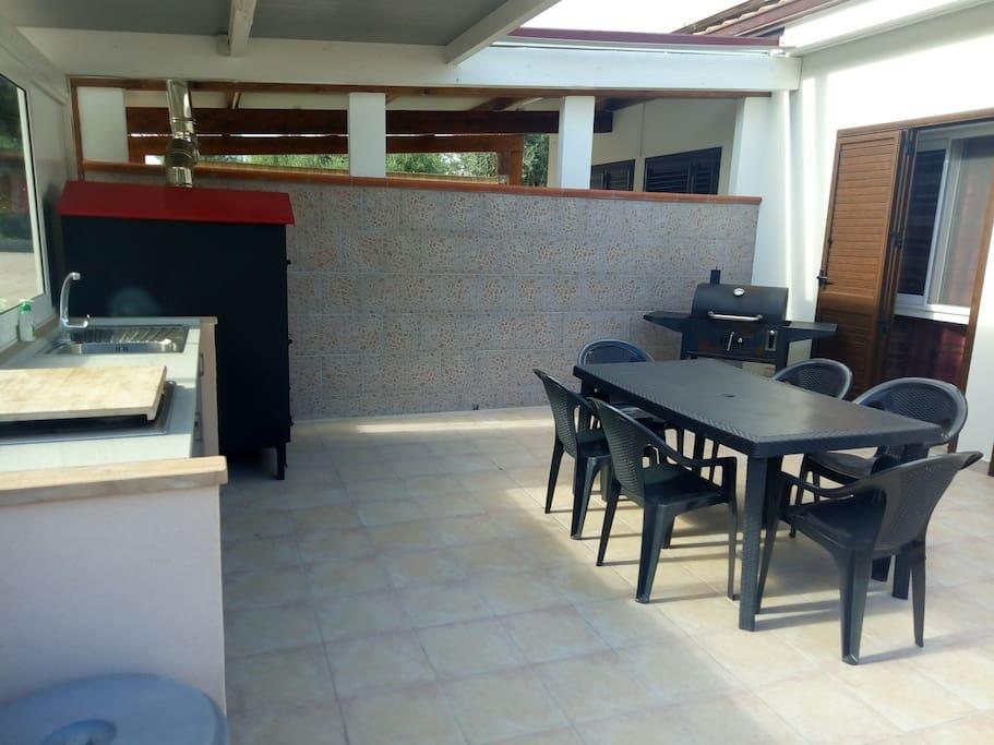 Cucina Esterna - Forno a Legna - Barbecue