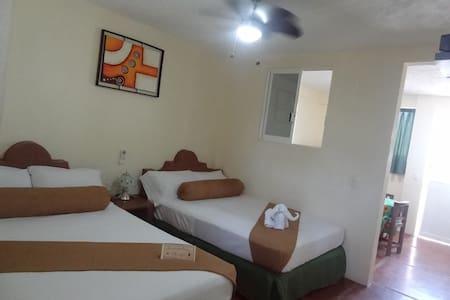 Hotel Marfil en Acapulco Diamante, Playa Bonfil. - Acapulco