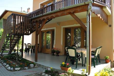 Akácfa 13 Apartments - Zalakaros - Ev