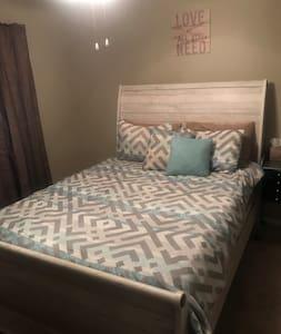 Cozy room near Mauldin