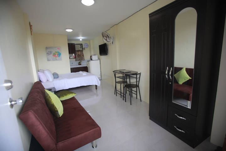 Fully Furnished Studio for Family - Naga - Apartment