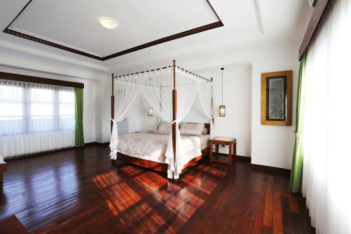 Villa Luxury in Medewi Point  With Private Pool