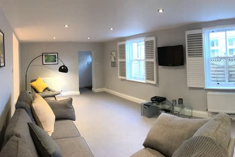 Smart, modern and spacious one bedroom suite
