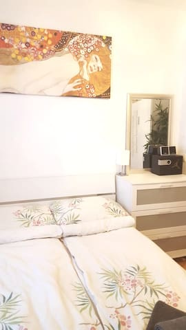 Nice Comfy 2 Roomed Central Flat