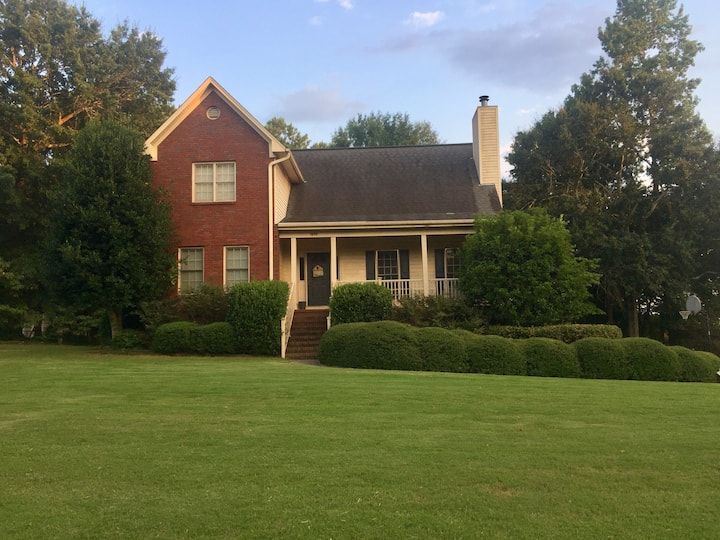Auburn Football Game Day House W/  Pool 4 Bedrooms