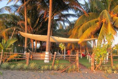 Front Beach House in El Penon El Sa -  Costa Azul El Salvador - Casa