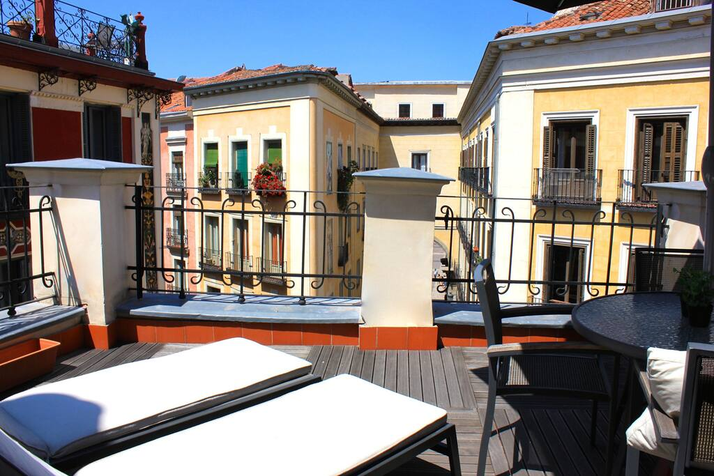 Duplex plaza mayor con terraza apartments for rent in - Singular kitchen madrid ...