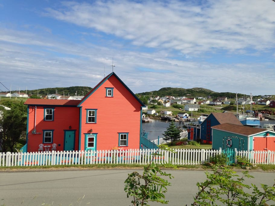 Pumpkin house a museum guest house houses for rent in for Newfoundland houses