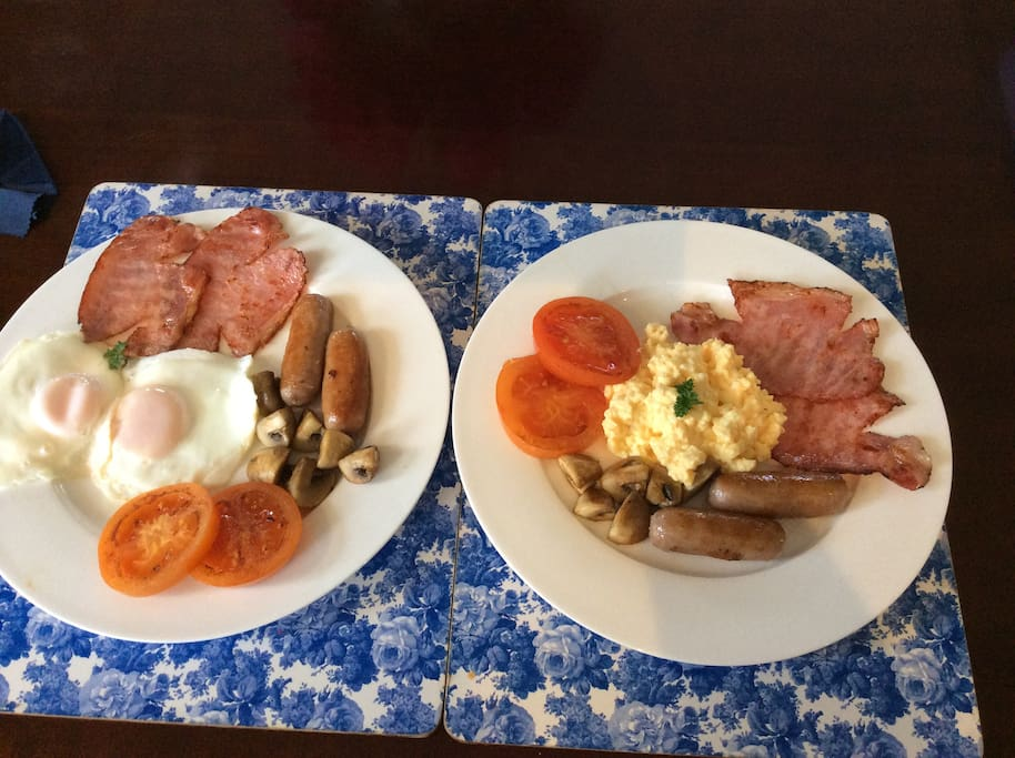 Complimentary Cooked & Continental Breakfast