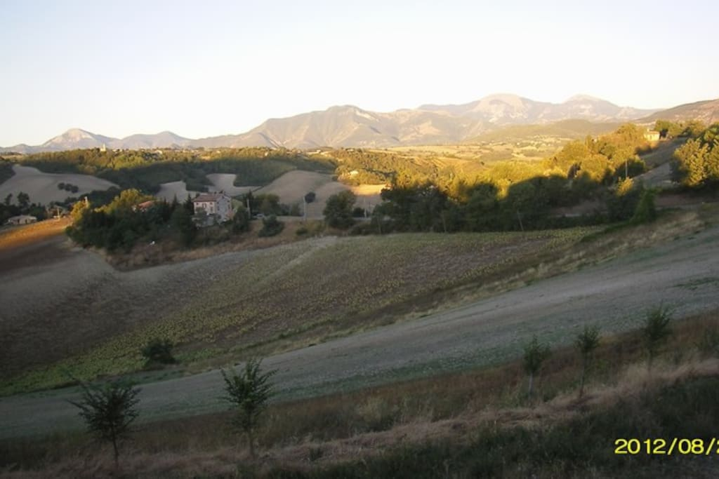 widok z domu na Apeniny