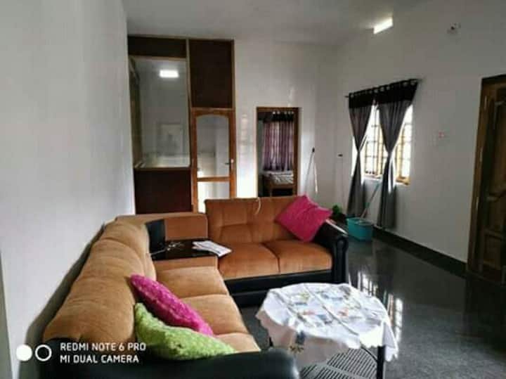 SERAHS FAMILY HOME STAY