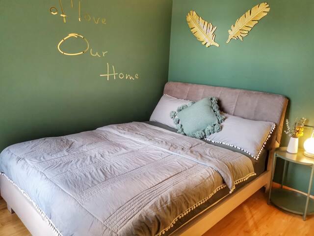 次卧1.5双人床