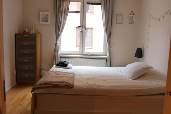Room in cosy Haga, Old Town. - Gothenburg - Leilighet