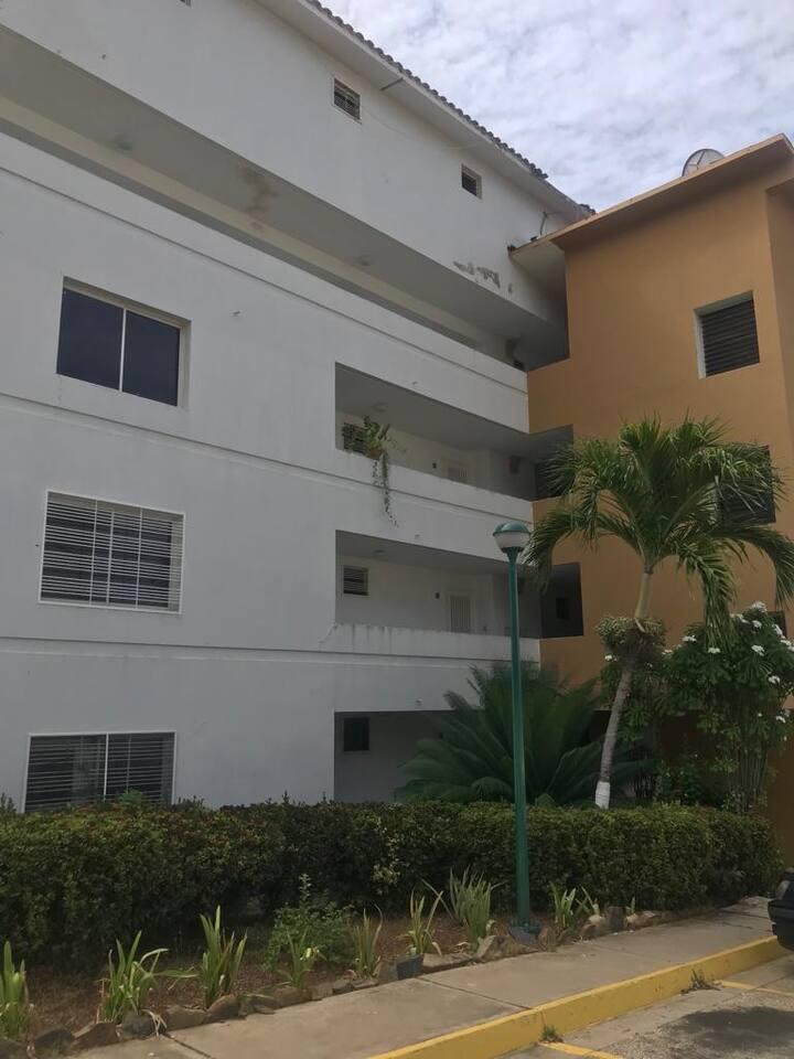 Apartamento chiquito y cómodo