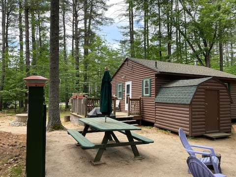 Lake Cottage with Beach access & Fire Pit! WIFI