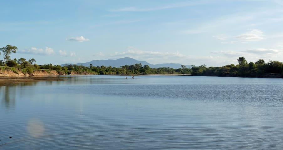 Picturesque Views, Walks & Fishing - Guthalungra