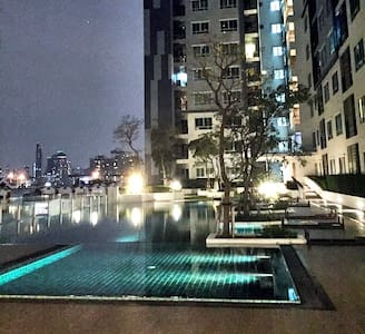 Superb!* 1BD*Pool*Gym*BTS - Bangkok - Condominium