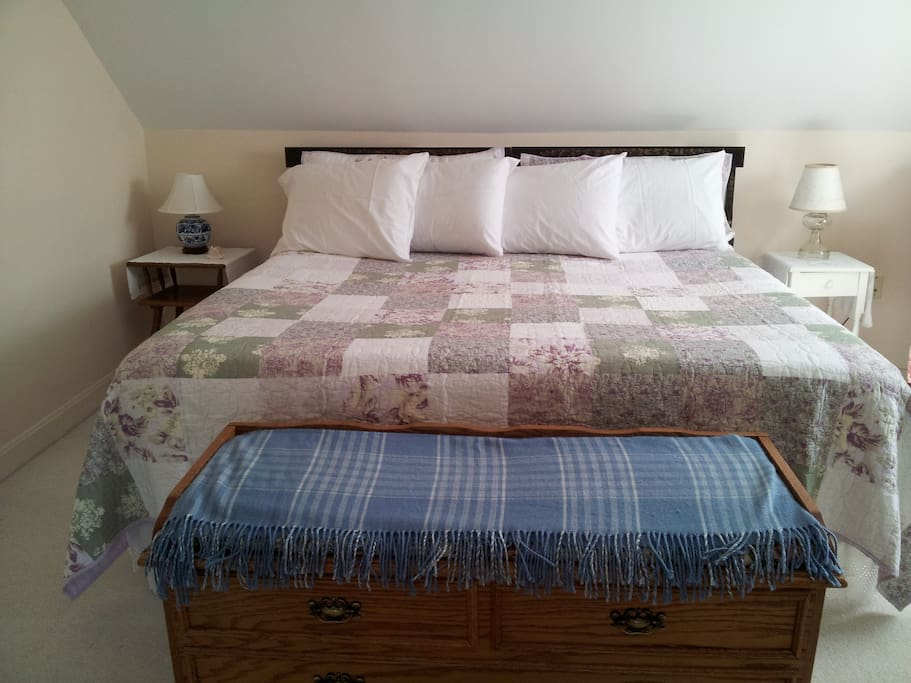 Sandpiper Room with king size bed.