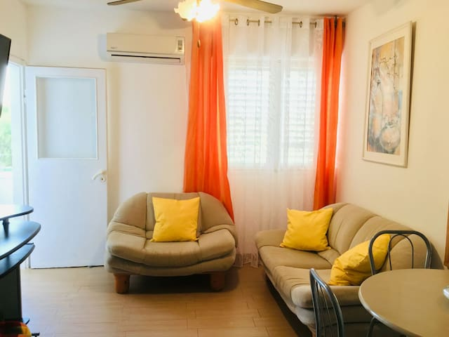 NICE APARTMENT FOR FAMILY, FRIENDS OR COUPLE