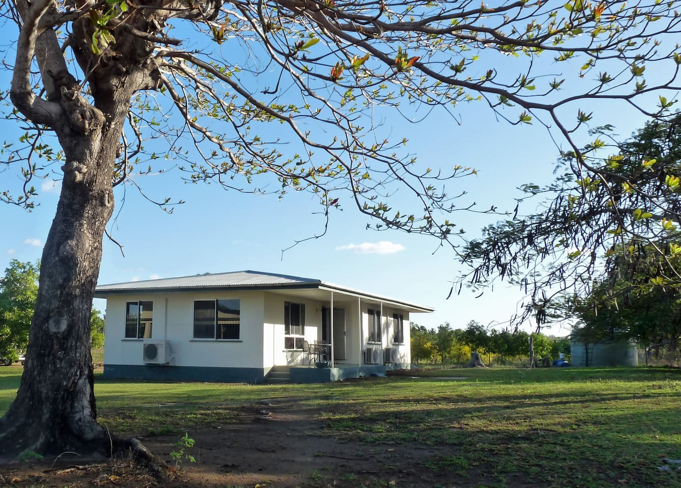 The Elliot River Retreat is located in a peaceful rural riverside location.