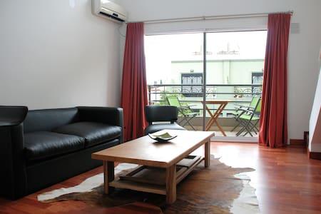 Loft with Balcony in Belgrano - Appartamento
