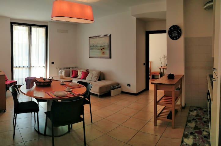 Confortevole e luminoso trilocale vicino a Liuc - Castellanza - อพาร์ทเมนท์