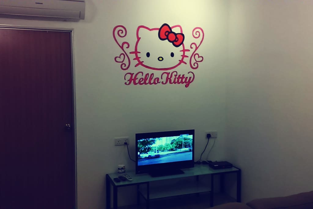 hello kitty suites near kek lok si h user zur miete in. Black Bedroom Furniture Sets. Home Design Ideas