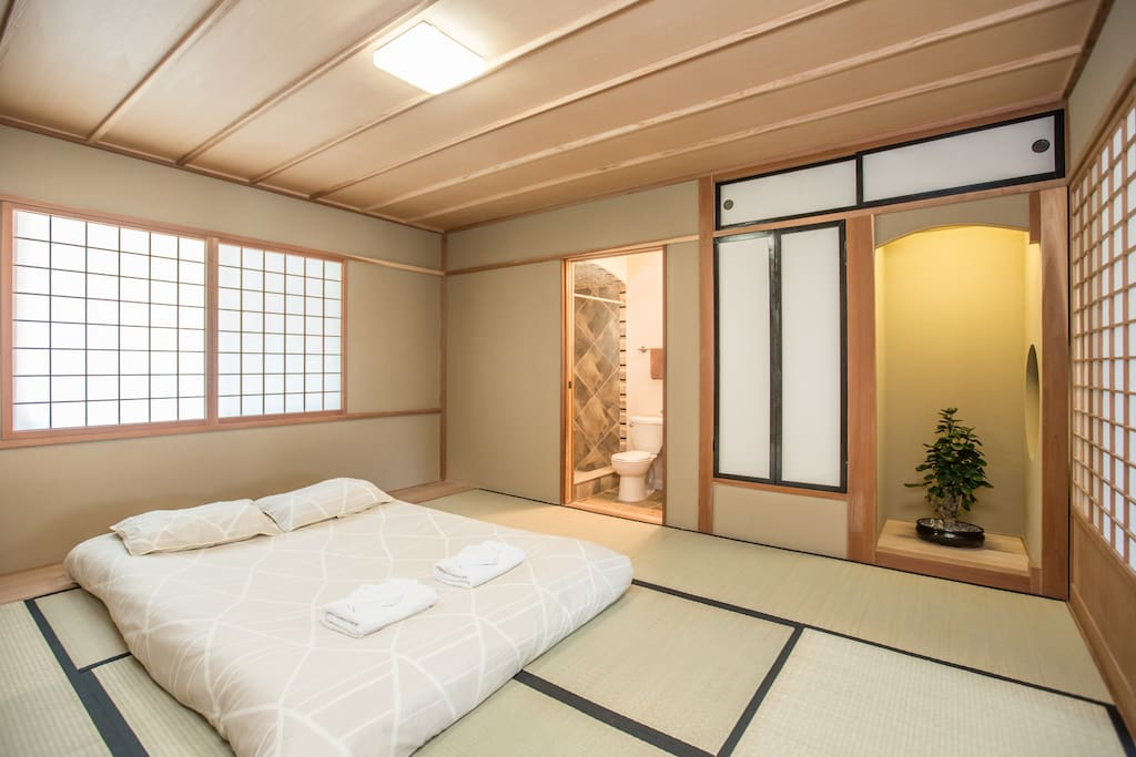 Japanese retreat tatami house houses for rent in - Tatami japones ...